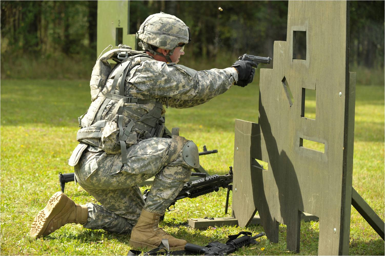 MILITARY & LAW ENFORCEMENT TRAINING - Please contact us for custom courses.