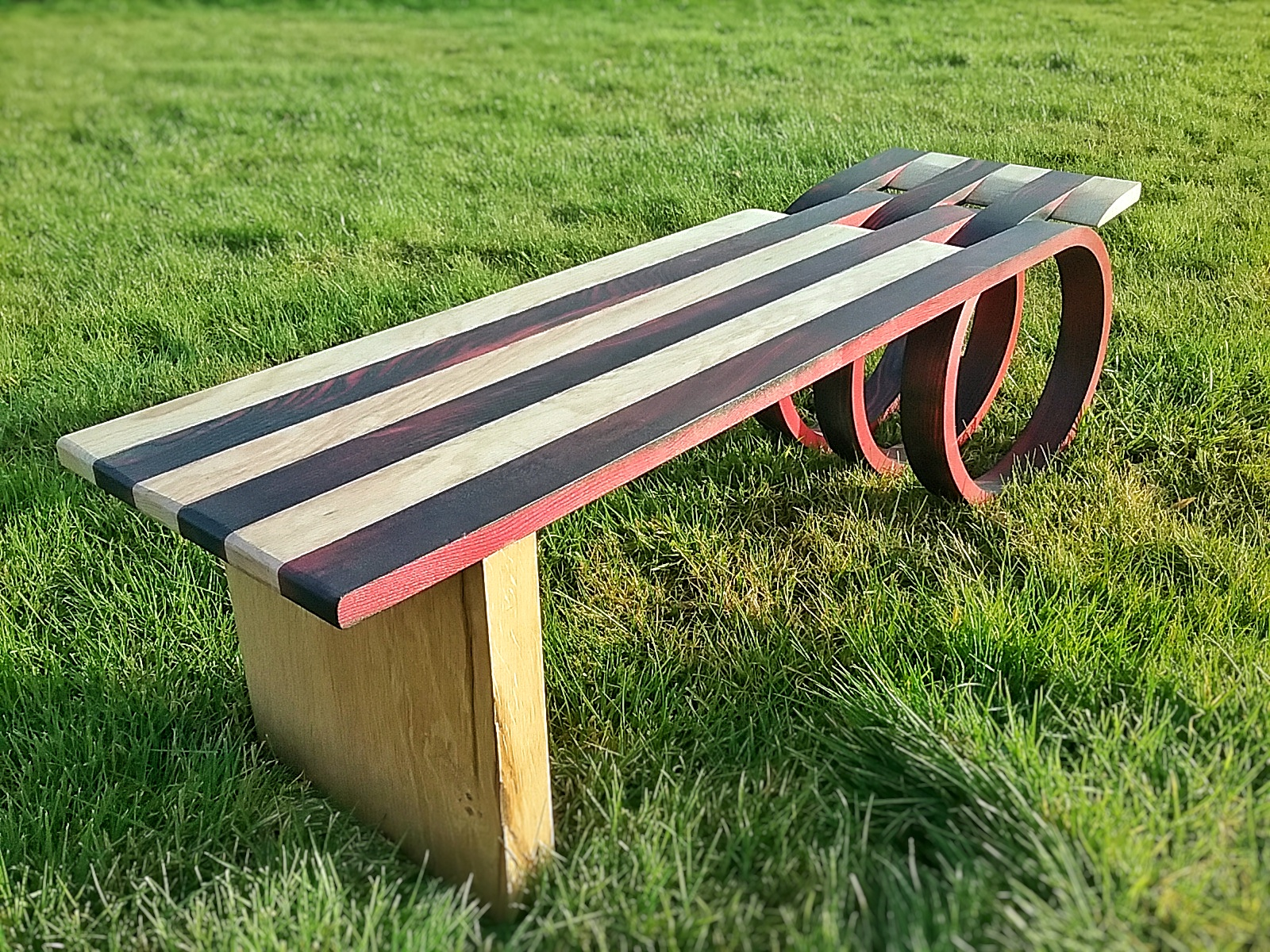 Loopy bench table