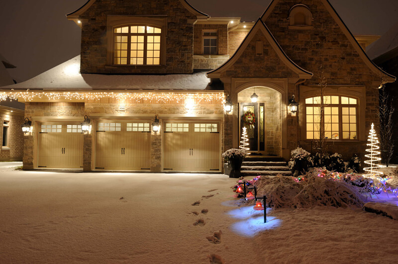 Picture of a house in the snow
