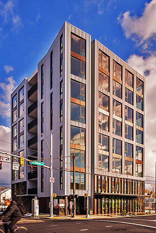 Upon completion at eight stories, Carbon 12 was the tallest CLT mass timber building in the United States. (Andrew Pogue)