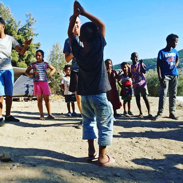 Never miss a chance to dance 🕺💃 —————————————— Well, the kids definitely took their chance, thanks to @step2danceoxford ! @_jenai and @nadiadickson13 came to Samos and gave all the kids an unforgettable time during several dancing workshops. Some of the kids uncovered hidden talents, others may have tripped over their own legs but had a ton of fun nonetheless! Besides giving the kids an incredible experience, Jenai and Nadia did an unbelievably generous donation after raising funds for weeks. We couldn't be more grateful for what Step 2 Dance Oxford and these two amazing woman have brought us: you are fantastic 💙🧡 —————————————— #kids #children #childreninneed #humanity #giveback #dancedancedance #WithRefugees #refugee #refugeecamp #humanitarian #ngo #charity #samosvolunteers #volunteer #volunteering #greece #step2danceoxford #happiness