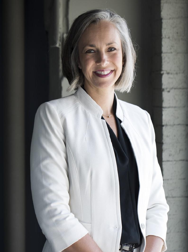 AMANDA CARMICHAEL   Senior Consultant