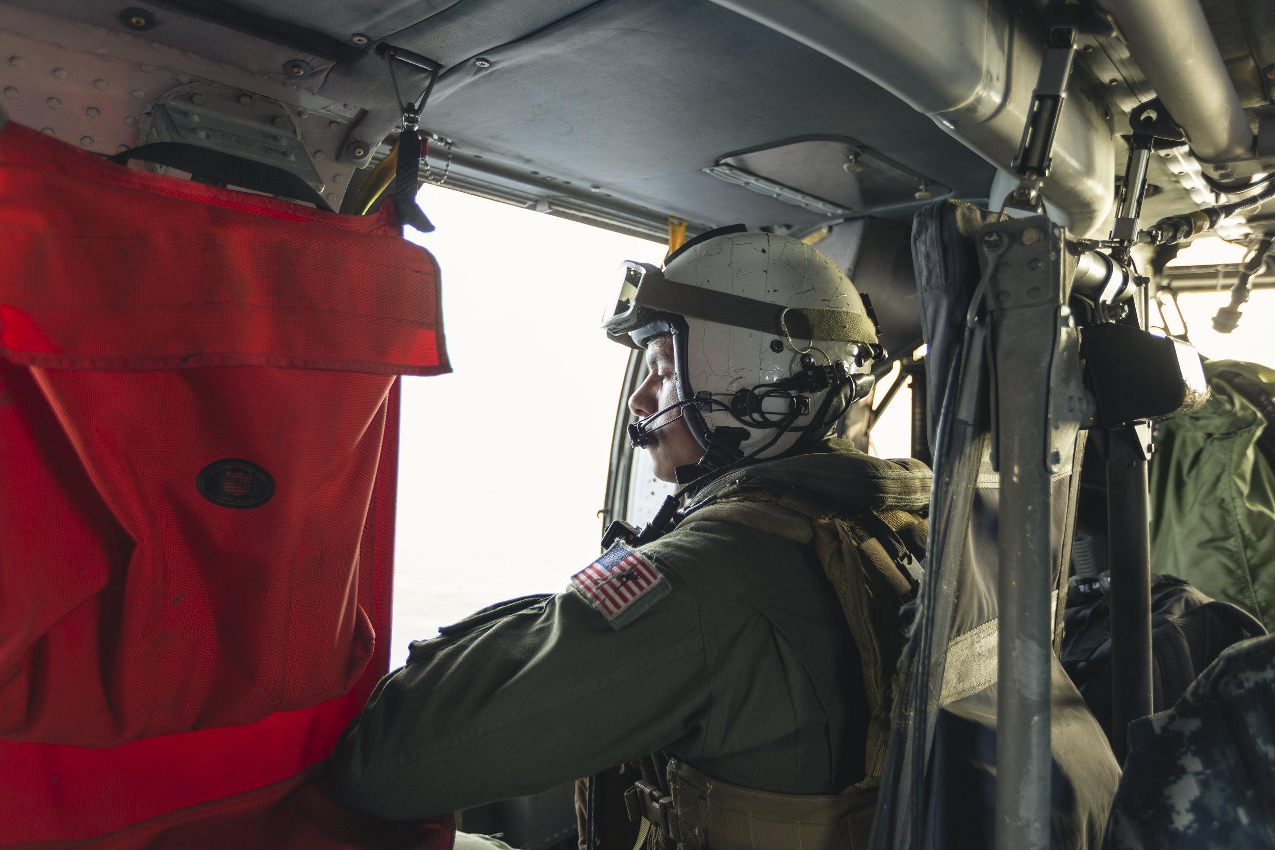US Navy Seahawk in flight_01.jpg