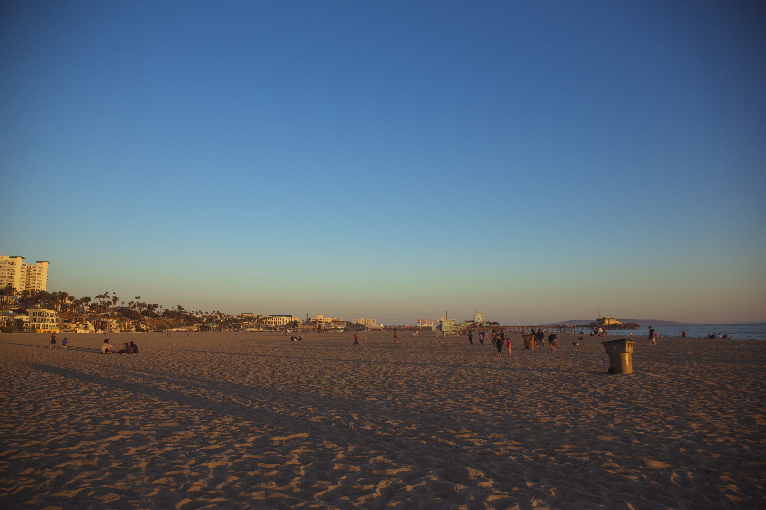 Sunset at Santa Monica Beach_02.jpg