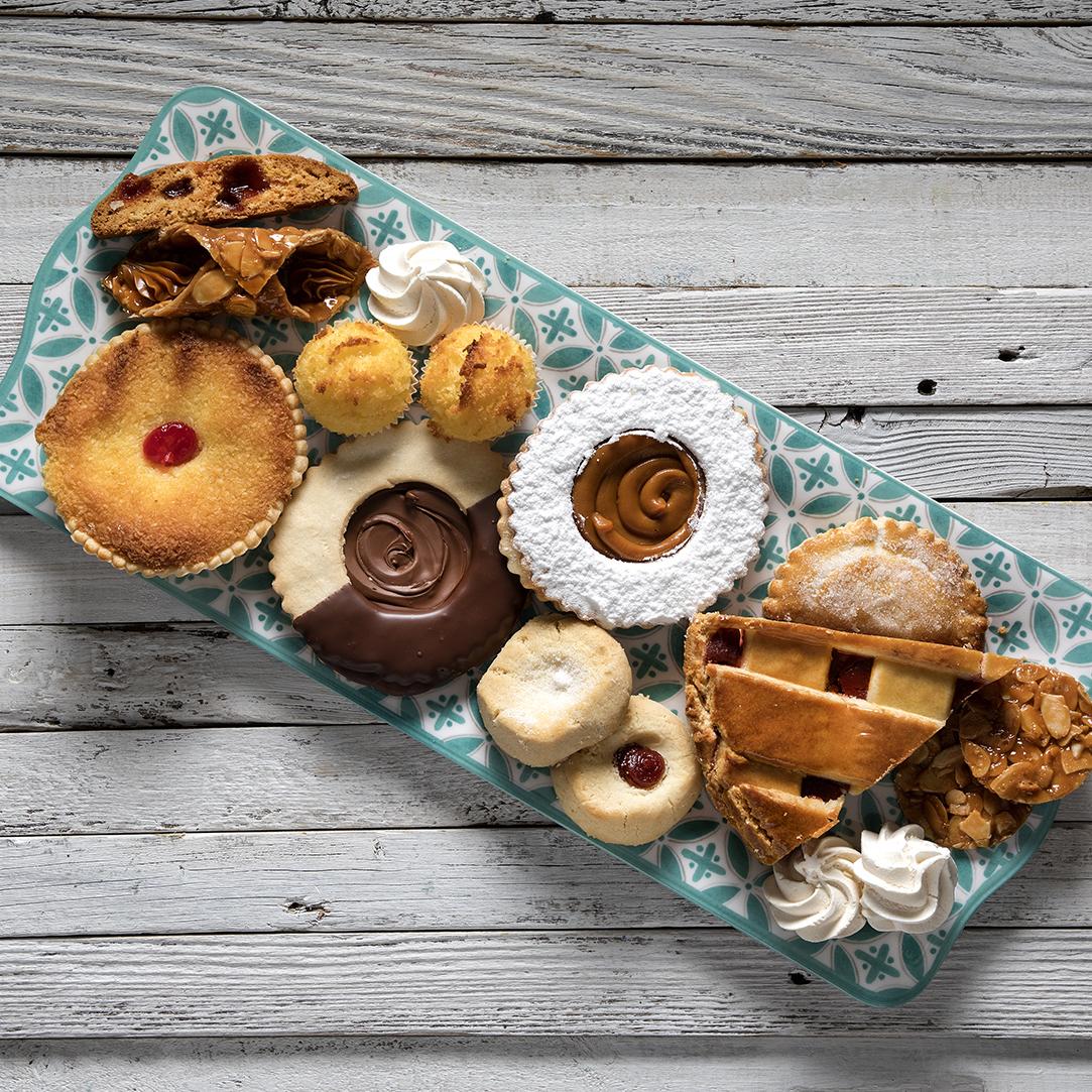 Versailles Bakery web-0328 copy.jpg