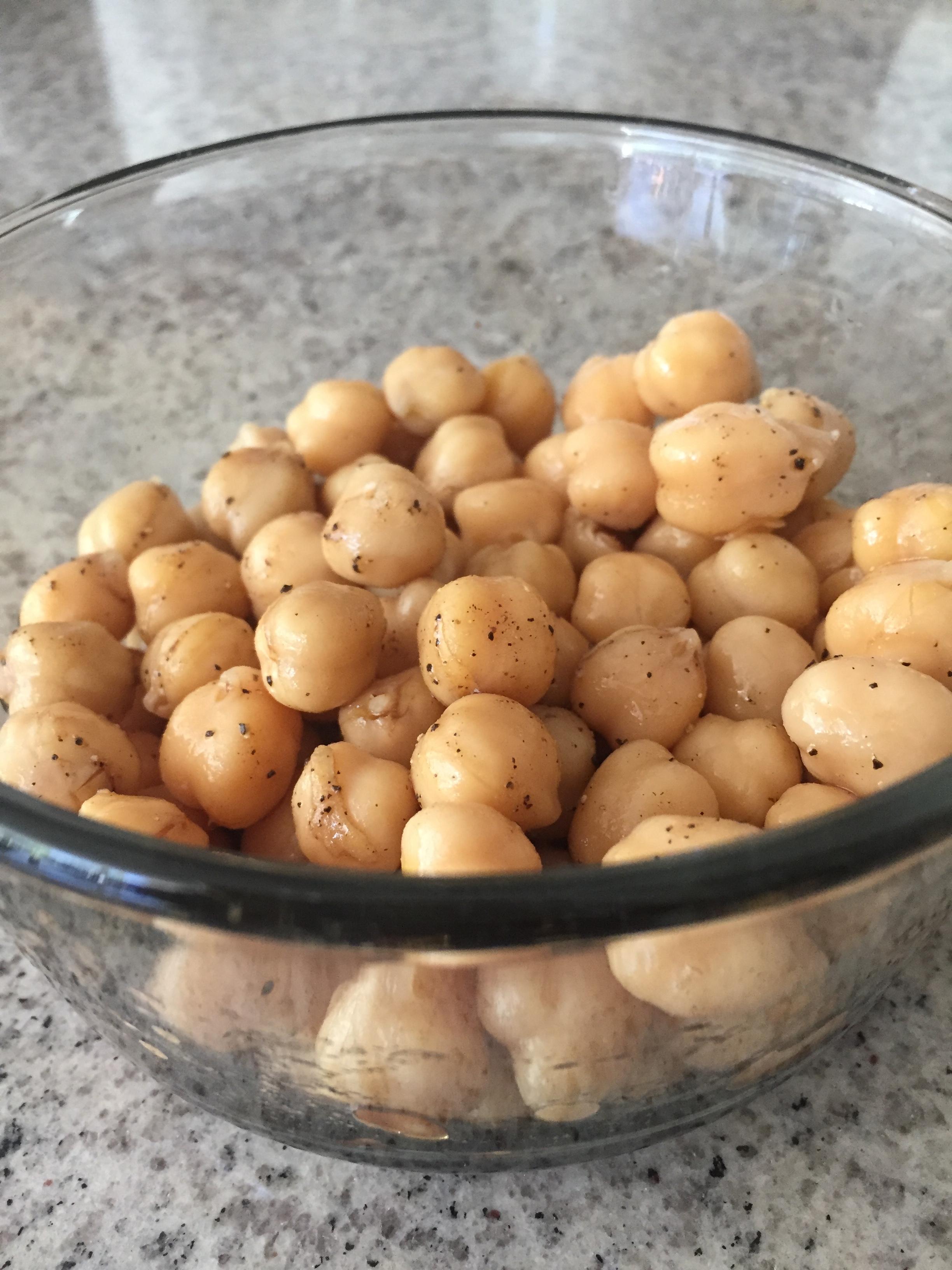 1 Can of Chickpeas (Rinsed)+ White Vinegar + Olive Oil + Pepper -