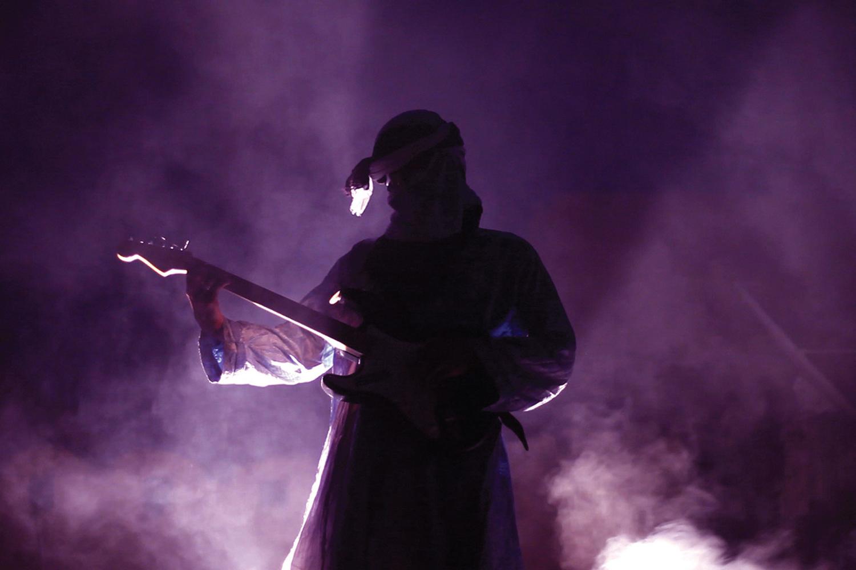Lab-Afronauta-Film-Born-In-Flames-web.jpg