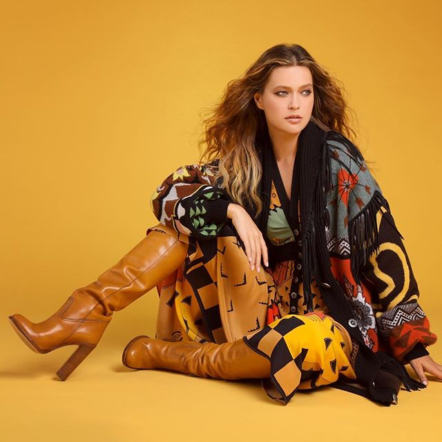 @etro never disappoints! Worn beautifully by @liza_kei / @industrymodels  Styling- @hannahjdotco  Hair- @discodestiny  Makeup- @samanthatrinhmakeup  Lighting- @jimmytothejohnston and @rickcarlson3383  Studio- @parkstudios.co  Shot for @shopbuckheadatl fall/winter campaign  #femalefashionphotographer  #styleformiles #fashionpassion #luxurybrand #atlantastyle #etro