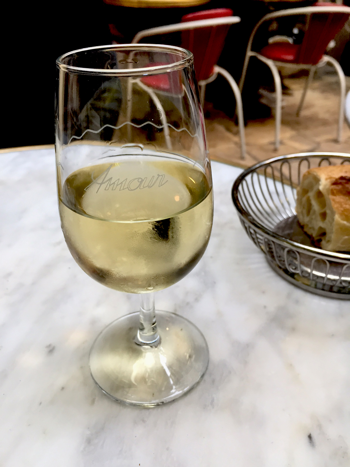 A nice crisp Sancerre for me. I brought back a set of six glasses in my suitcase. Amour is now in Modesto, too!