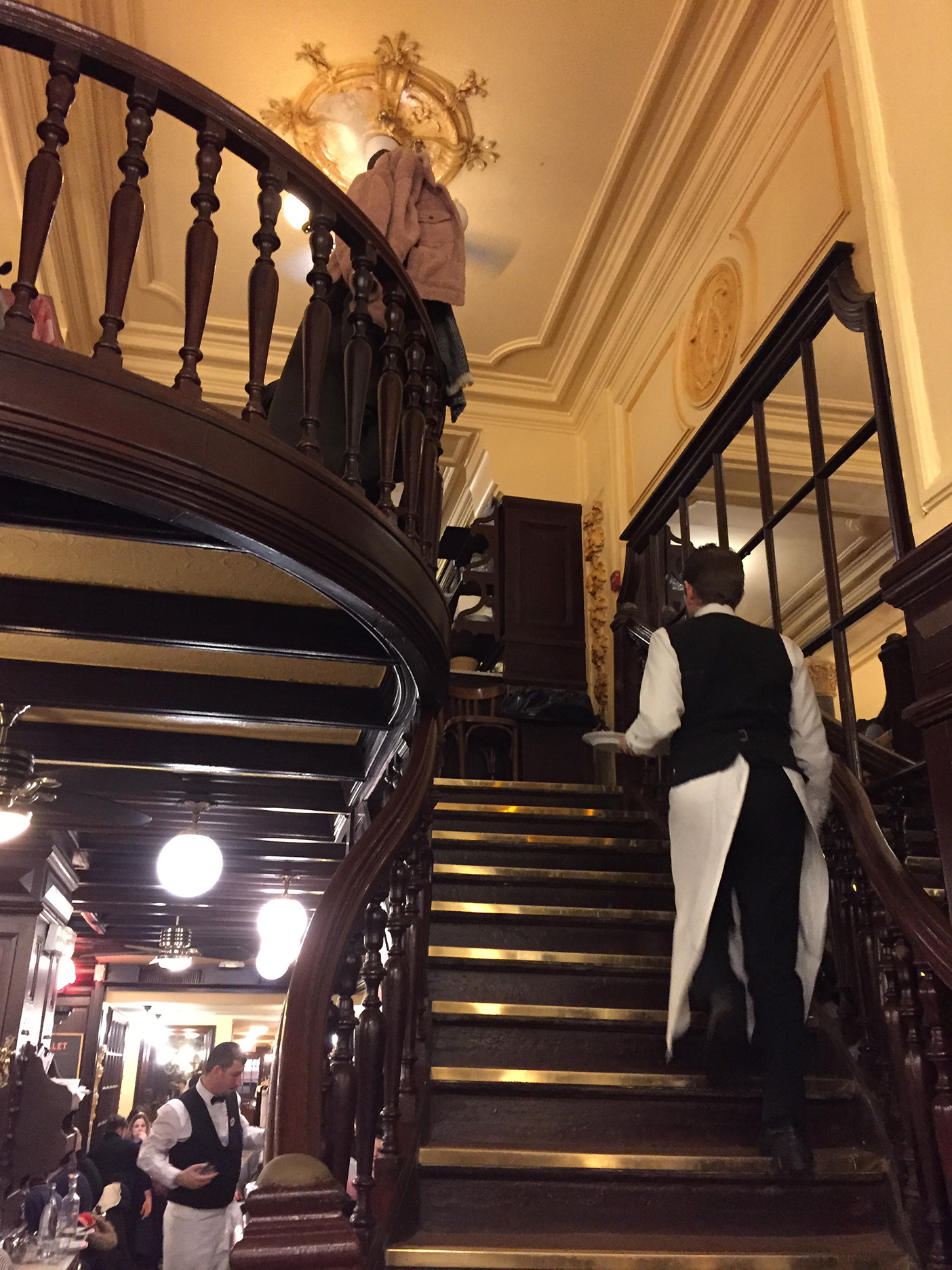 Yes, there is a mezzanine! Brasserie waiters always look so sharp in their black and white uniforms.