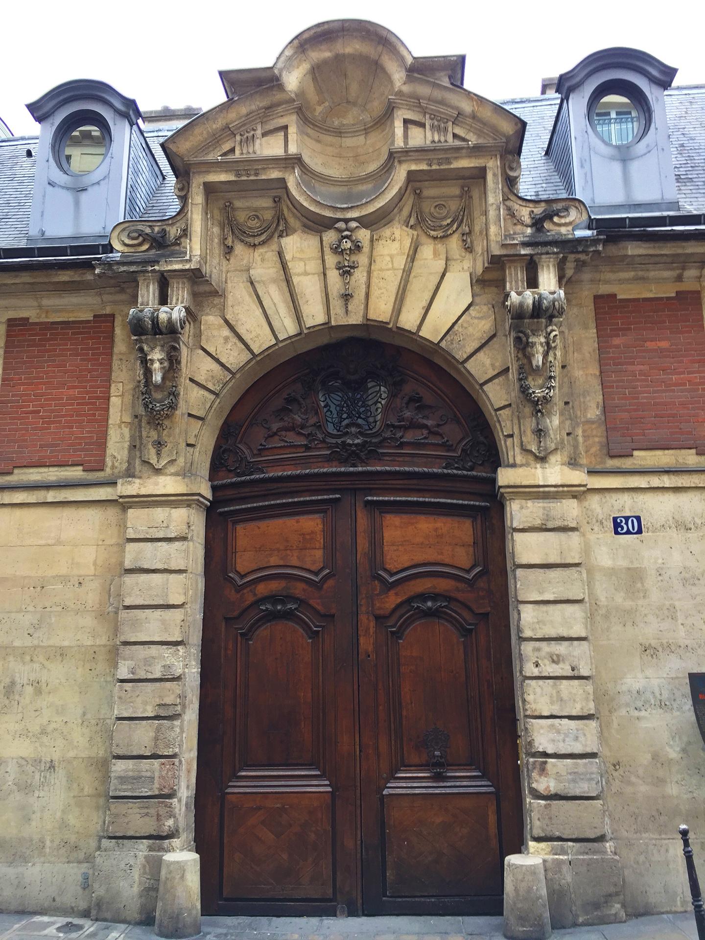Hôtel particulier d'Almeyras, rue des Francs-Bourgeois