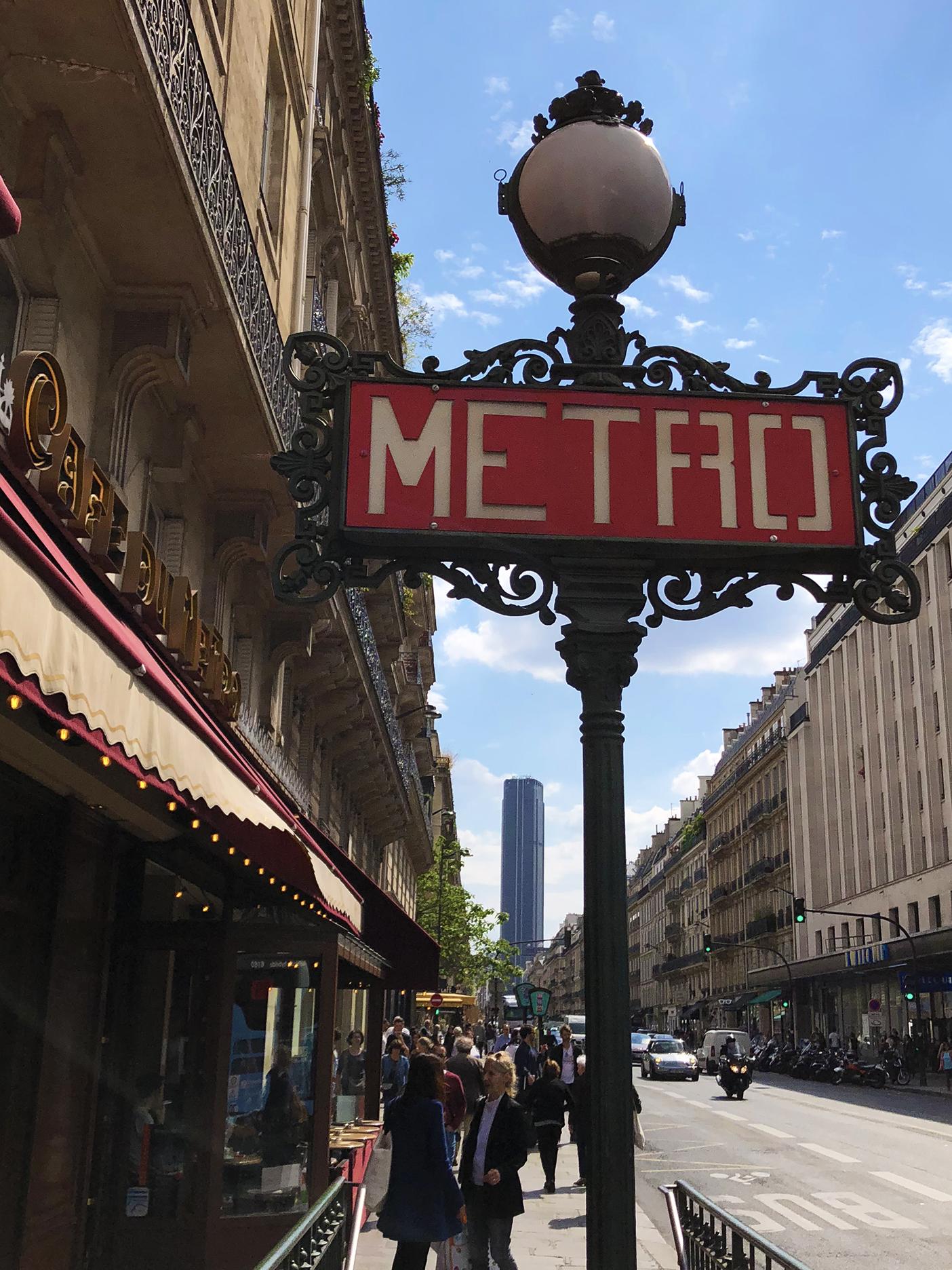 Tour Montparnasse-metro