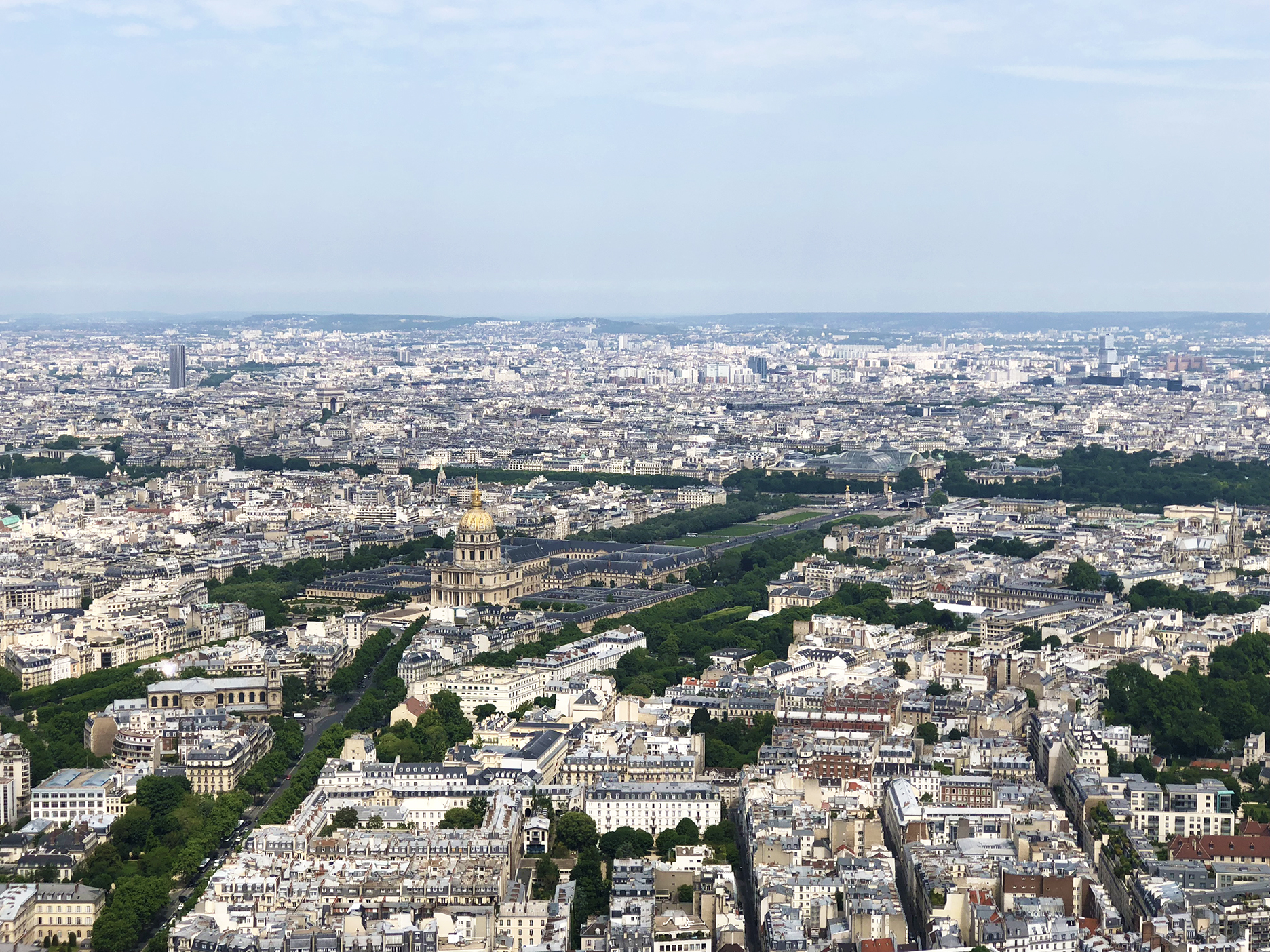 Les Invalides, musée Rodin, pont Alexandre III, Grand Palais, Petit Palais, and an unidentified building that looks like three gift boxes stocked on top of each other (top right hand corner.)
