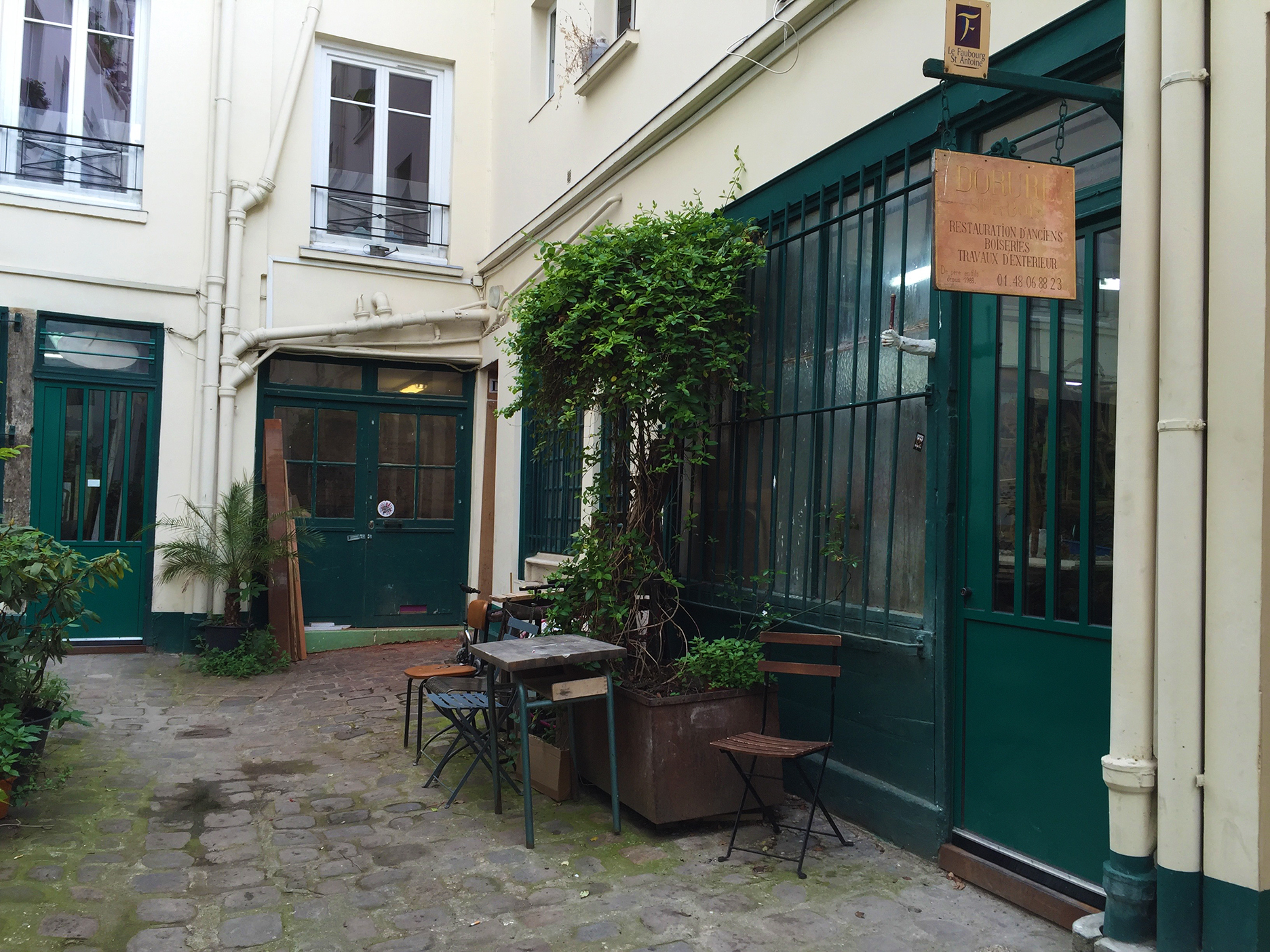 Cour du Panier Fleuri. Where the floral shop should be…
