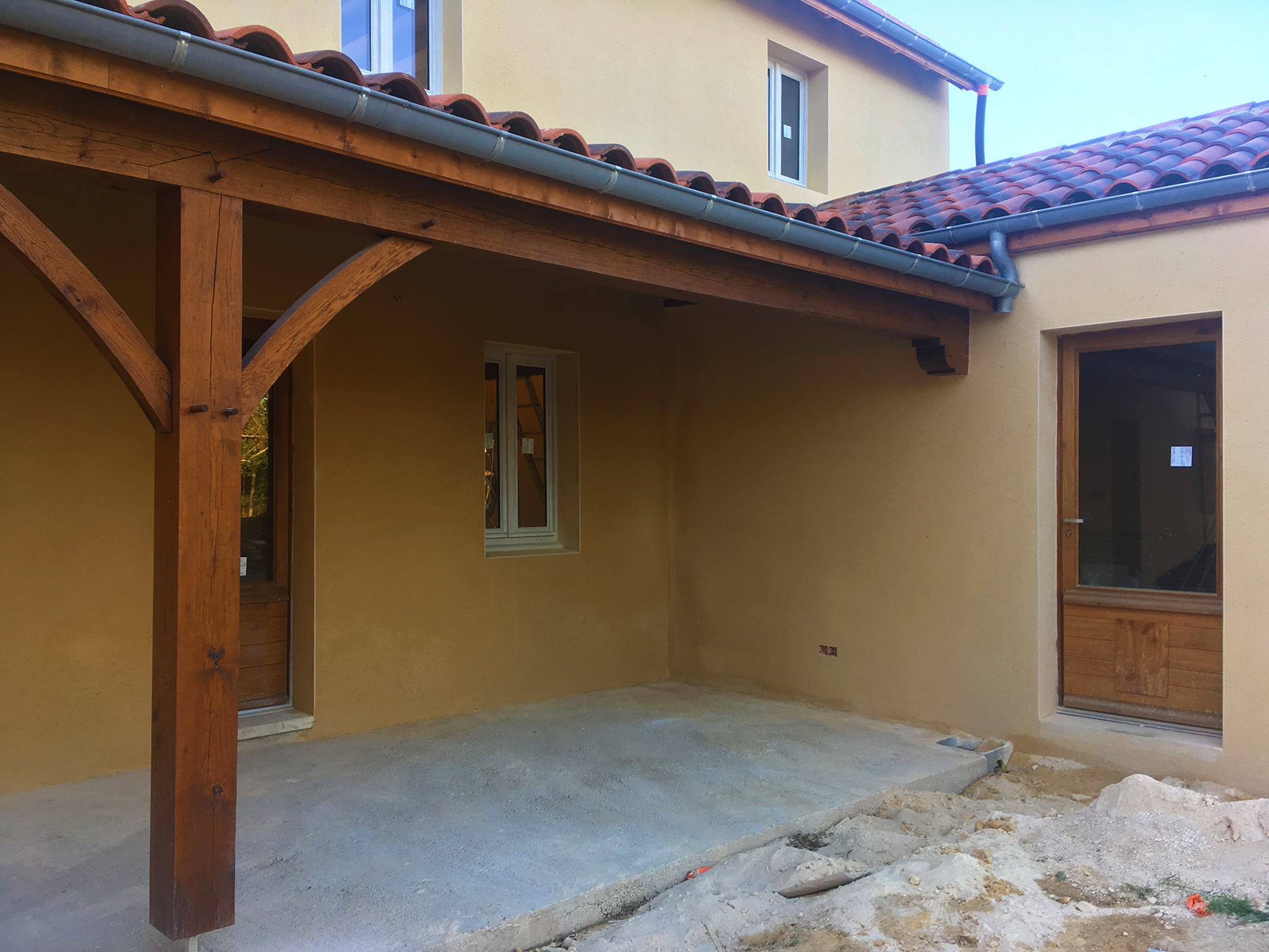 Porch with stucco