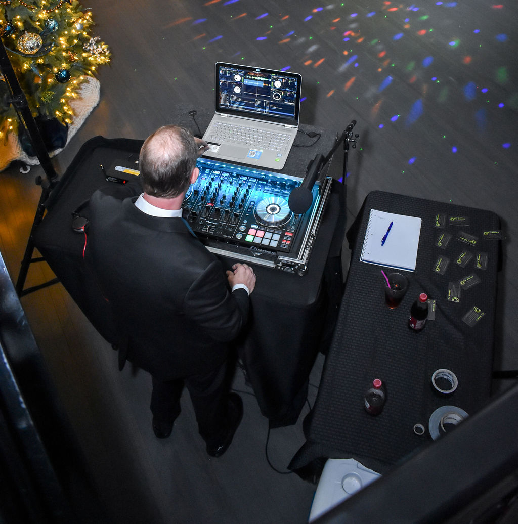 dj-party-NYE-event-venue