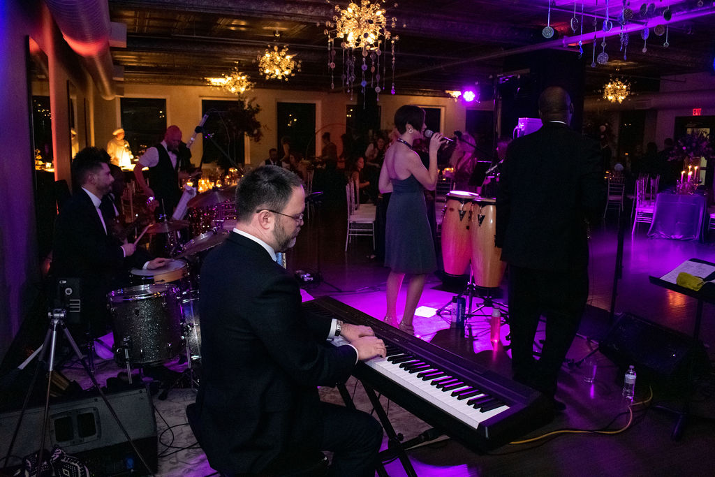 ballroom-party-band-music-venue