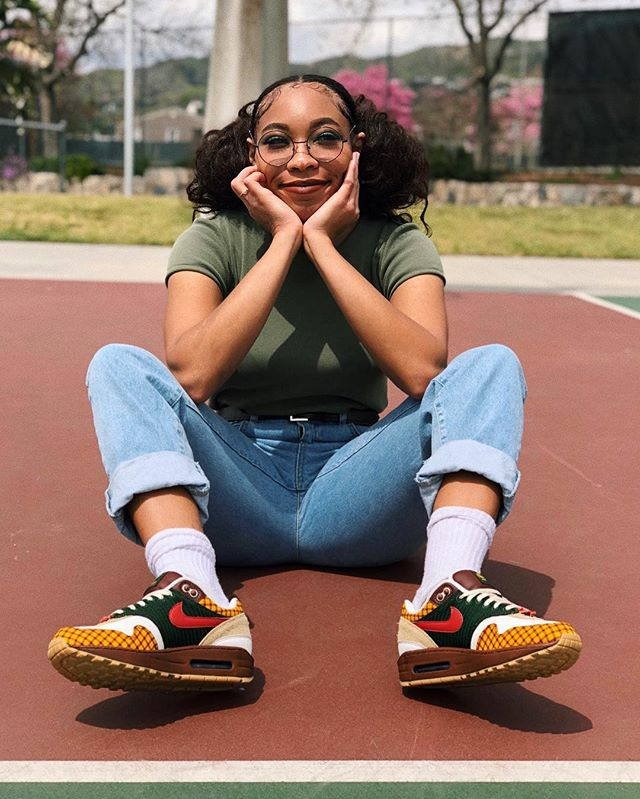 💭🦁 Daydreaming about the Missing Link hitting theaters April 12th lol. They even made Nike Air Susan's inspired by the @MissingLinkFilm (those drop the 9th) Swipe over to get a better look \(^__^)/ Theyre honestly fire - @LAIKAStudios #MissingLink & you can get tickets are now available atbit.ly/MissingLinkTix ☺️