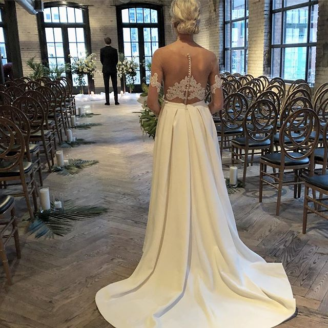 The First Look! The bride in her custom gown waiting for her future husband to turn around!  #torontobride #customweddingdress #weddingdress #bridetobe #bride #laceweddingdress #princeedwardcounty #pecbride #bespokeweddingdress