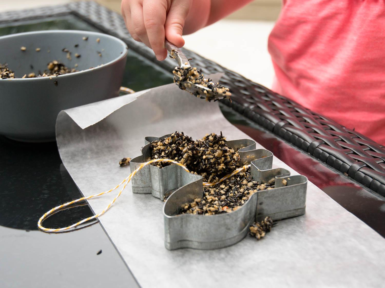 Tot Craft | Tweet Treats Bird Feeder | Little Treasures Project