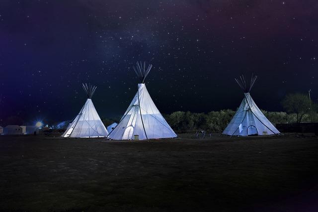 tent-2573465_640.jpg