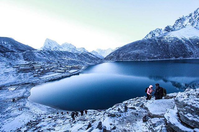 Winter wonderland ❄️☃️ .... .... ...... #bebold  #befearless  #adventureisthekey  #lifestylecoach  #mindsetcoach  #mentor  #inspiredlife  #gratitude  #travel  #travelsolo  #india  #mindfullness  #grabthechance  #traveling  #livingfully  #discoverglobe  #manifestingyourdreams  #confidencecoach  #Everest #everestbascamp  #nepal #nepaltrekking #everesttrek #innerstrength  #gokyo  #onestepatatime #mountains #gokyori