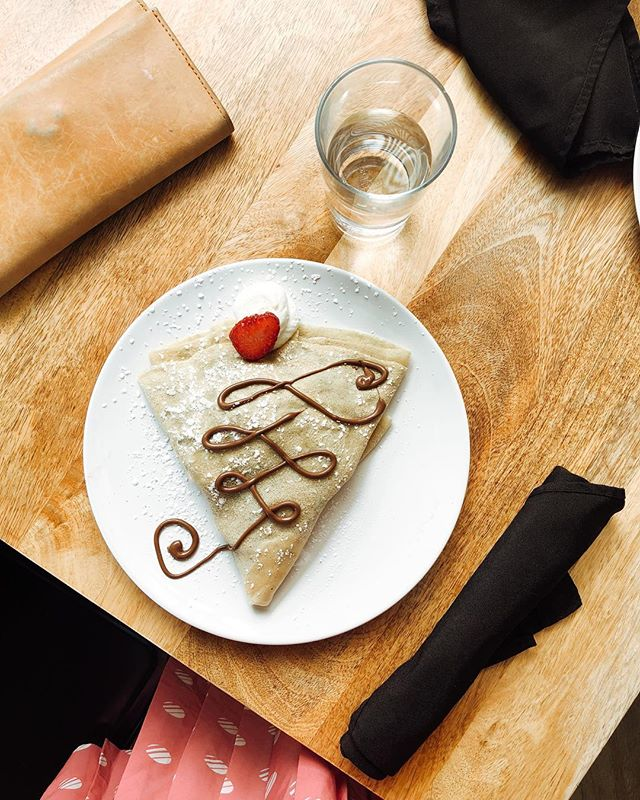note to self: when i eat CRAP i feel like crap but when i eat CRÊPES i feel like crêpes: magically french, beautiful + delicious. . . . . . . . . #livethelittlethings #filmpalette #liveunscripted #keepitsimple #liveauthentic #lightinspired #lifecloseup #instadaily #lifestyle #morningslikethese #motherhoodrising #socality #momlife #nothingisordinary #chasinglight #food #livesimple #minimal #pursuepretty #prettylittlethings #grandrapids #livefolk #simple #style #everydaymoments #vscocam #thatsdarling #vsco #thehappynow #flashesofdelight