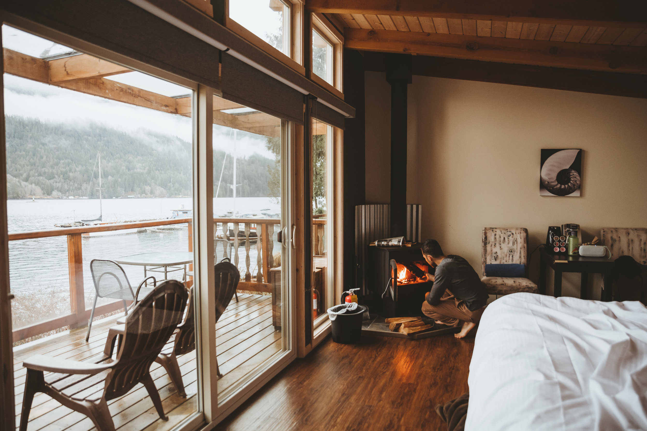 sunshine coast retreat - My brother and I spend the weekend at a cozy cabin in Egmont, BC