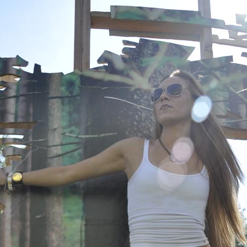 DJ / Producer Miss Jennifer, how my life journey with music began...
