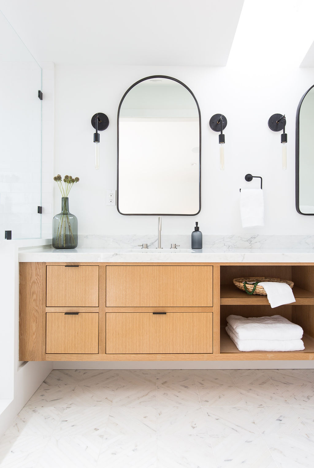 Love & Interiors_San Francisco_Pac Heights_Warm Modern_Master Bath_Oak Vanity_Wall Sconces_Black Accents_Mosaic Floor.jpg