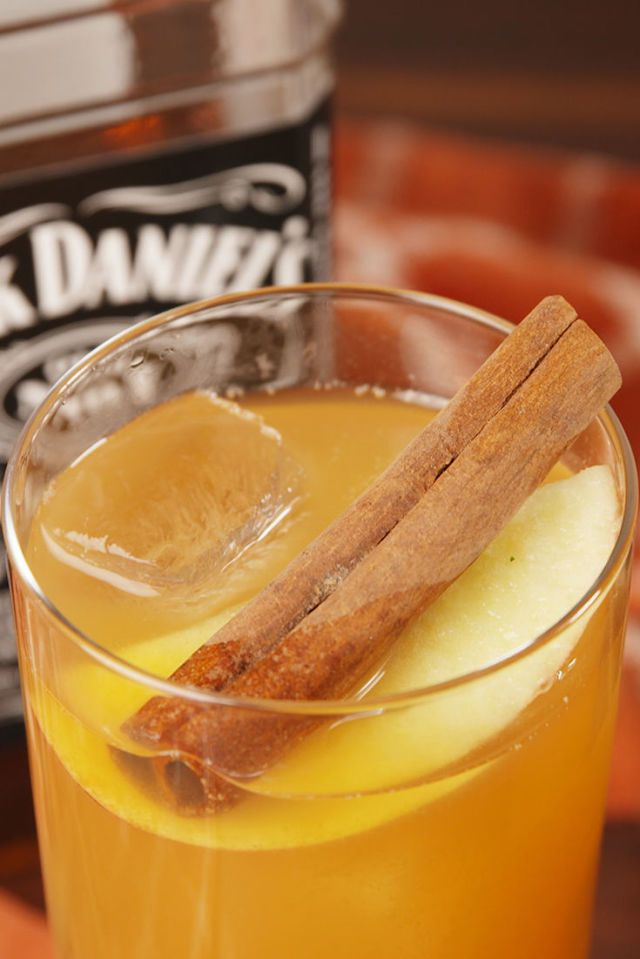 gallery-1511202175-delish-apple-cider-old-fashioneds-pin-1.jpg