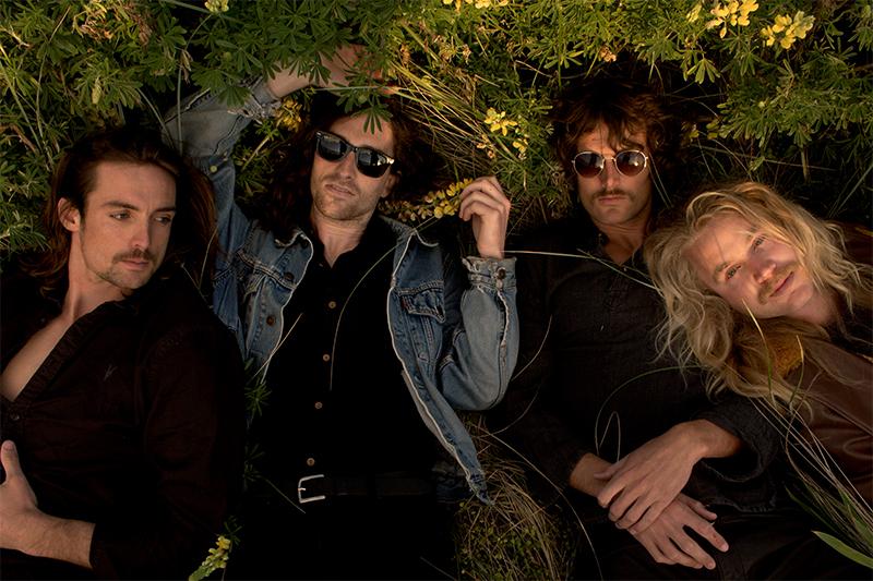 Mini Simmons - Band - Style: Rocknroll & Blues
