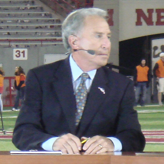 ESPN GameDay's Lee Corso correctly predicted the entire 2017 Bowl Season and College Football Playoff - This is how he did it.