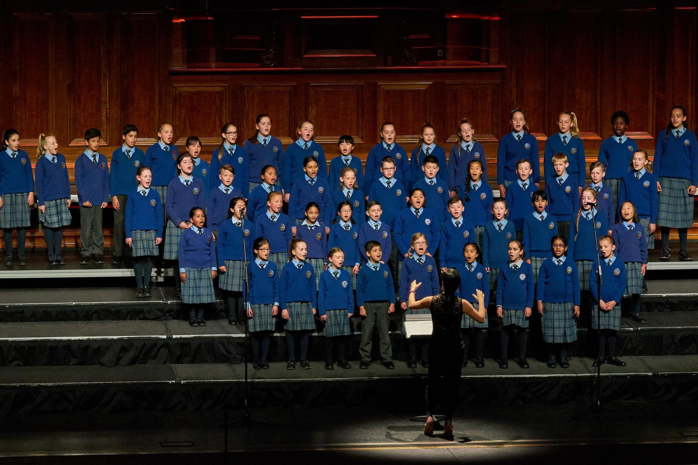 Choir04Cropped.jpg