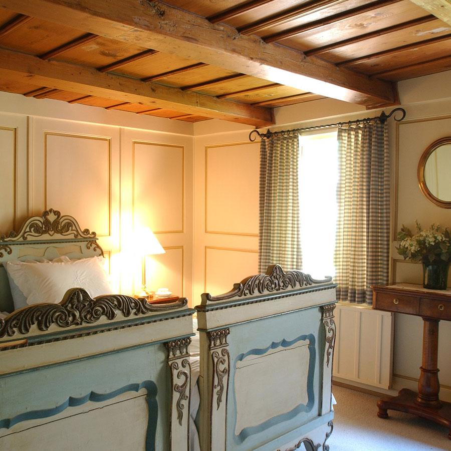2-Le-Chalet-Bernois-Exclusive-accommodation-Castle-of-Lucens-Switzerland-Additional-member-property-Solstice-Club.jpg