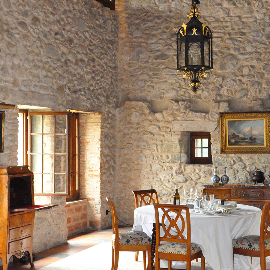 3-La-Dependance-Exclusive-accommodation-Castle-of-Lucens-Switzerland-Additional-member-property-Solstice-Club.jpg