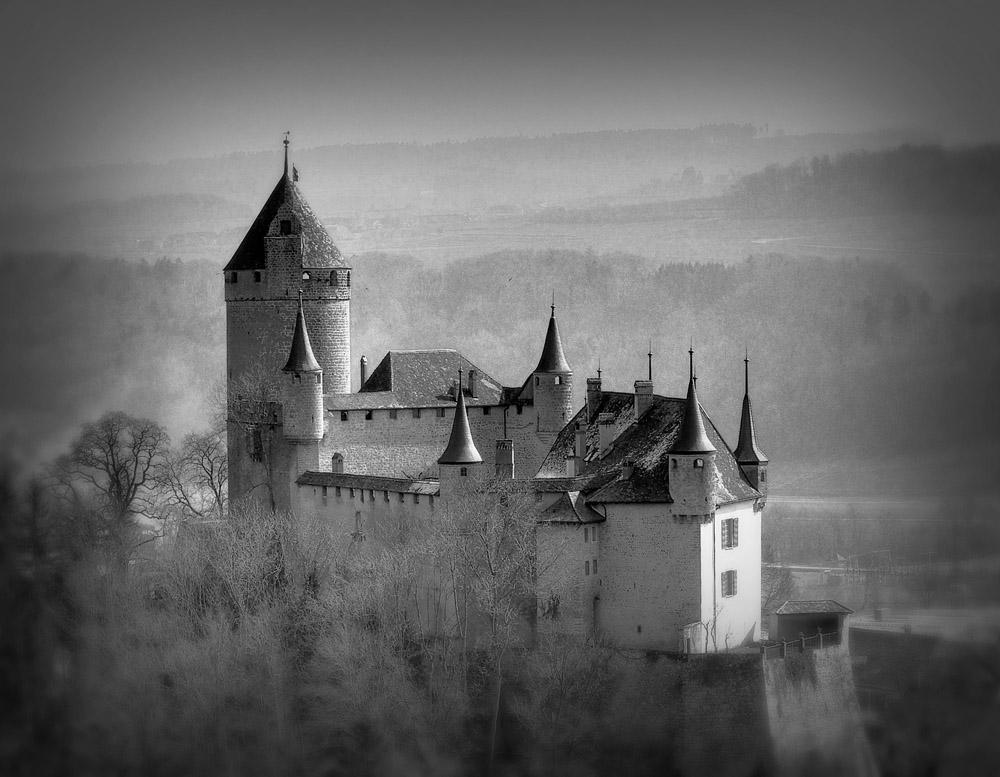 1-History-Castle-of-Lucens-Switzerland-Solstice-Luxury-Destination-Club-Exclusive-Worldwide-locations.jpg