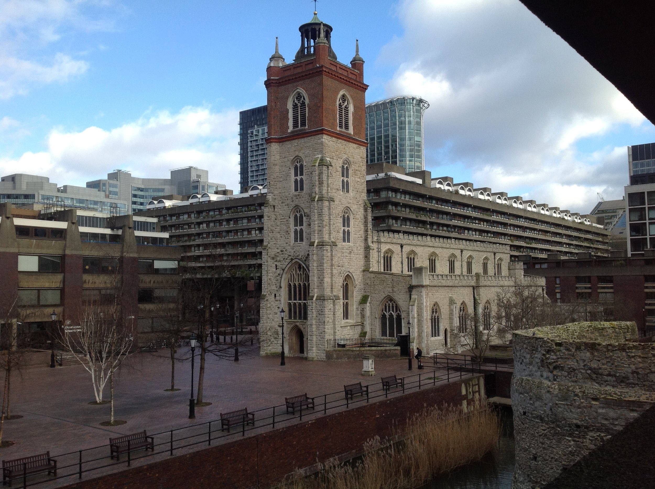 South Elevation (View from SW) St Giles' Cripplegate.jpg