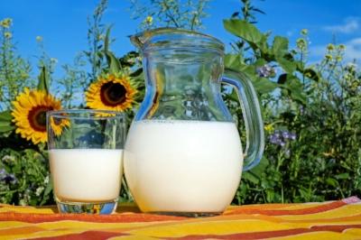 jinga Life breastfeeding milk.jpg