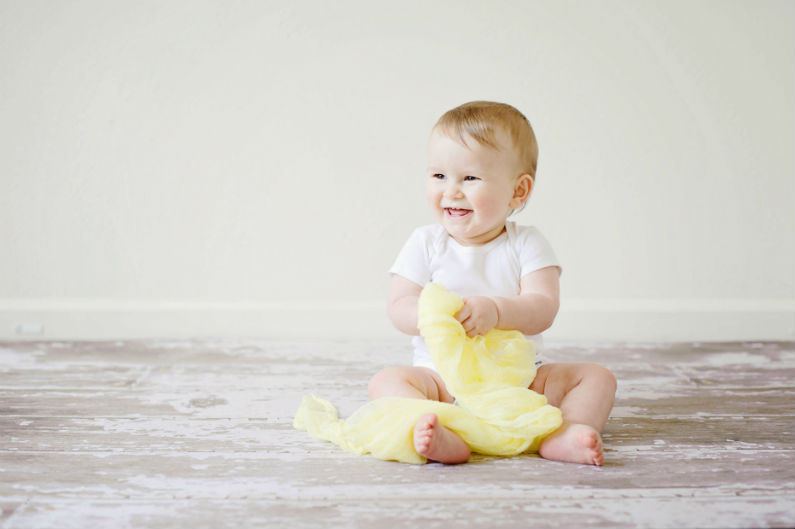adorable-baby-cheerful-459953.jpg