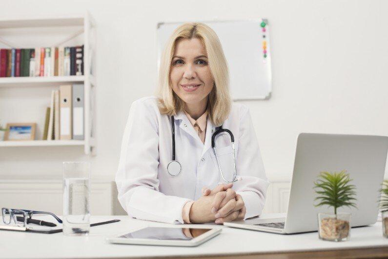 Medicine&Technology_MakingMedicalAdminEasier_1_JingaLife_0919.jpg
