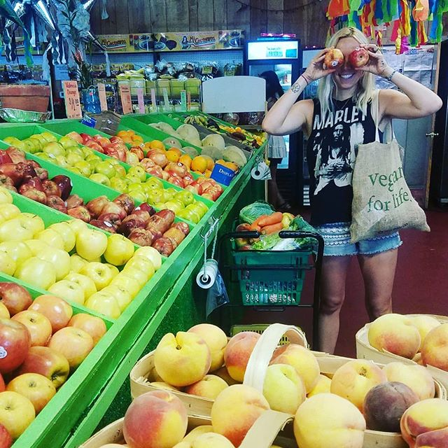 Markets are where vegans do their shopping🍉 Markets are where vegans save the money honey💲 Healthy eating on a budget is a thing 😋 . . . #vegan #veganliving #veganfood #fruits #plants #plantbased #ahmisa #friendsnotfood #practicecompassion #kindeating #yogi #modernyogi #wellness #misfit #livewell #goodliving #budget #debtfree #fi #healthyliving #healthyeating #wilmingtonnc #wrightsvillebeach