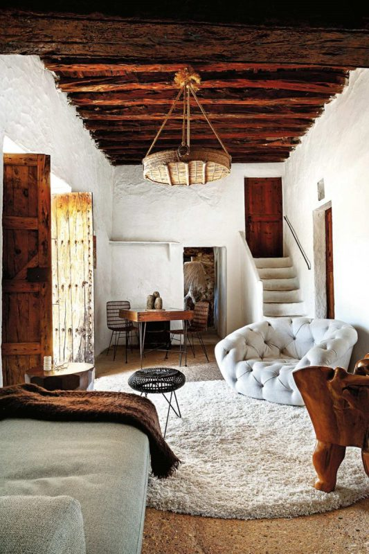 can-chic-home-of-pietro-cuevas-ibiza-elsewhere-8july17-Bélen-Imaz-styled-by-Patricia-Ketelsen-from-ibiza-bohemia-published-by-assouline-e1513275888814.jpg