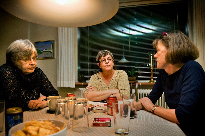Anne-Grethe, Hanne og Vivian måtte sammen med kollegerne vente to år på erstatning.