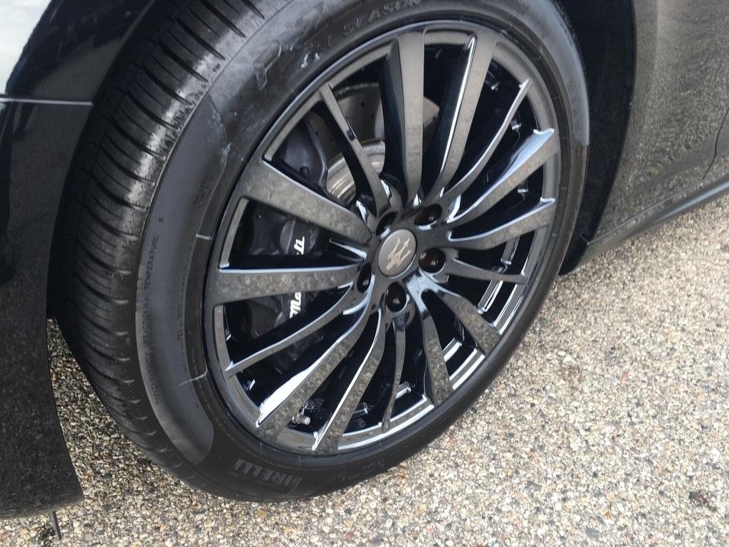 maserati-ghibli-black-ice-wheels_22806259948_o.jpg