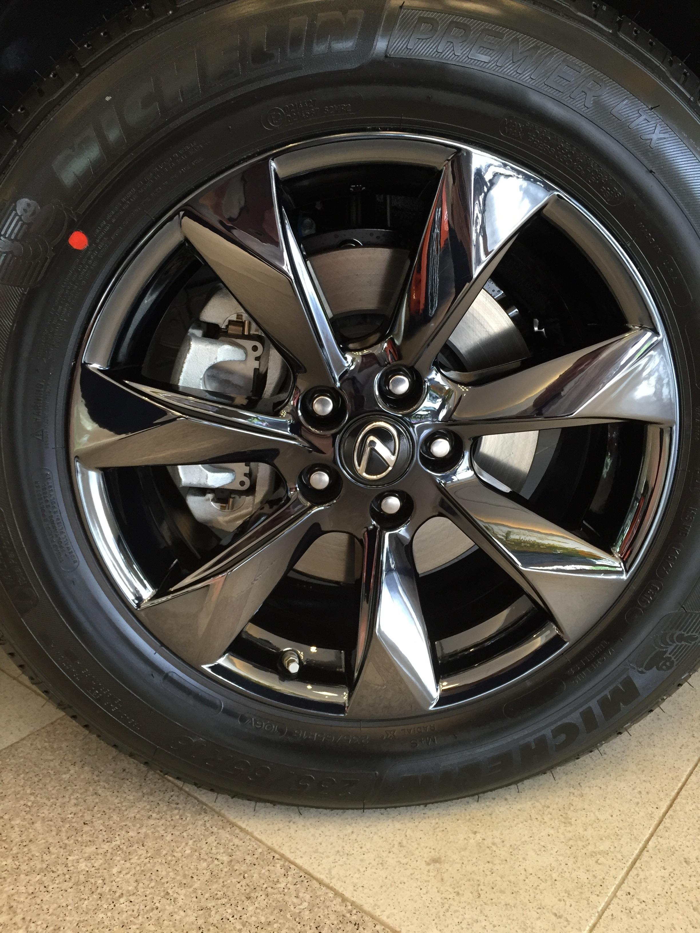 black-rx350-18in-mishawaka-2-wheel-close-up_25350366299_o.jpg