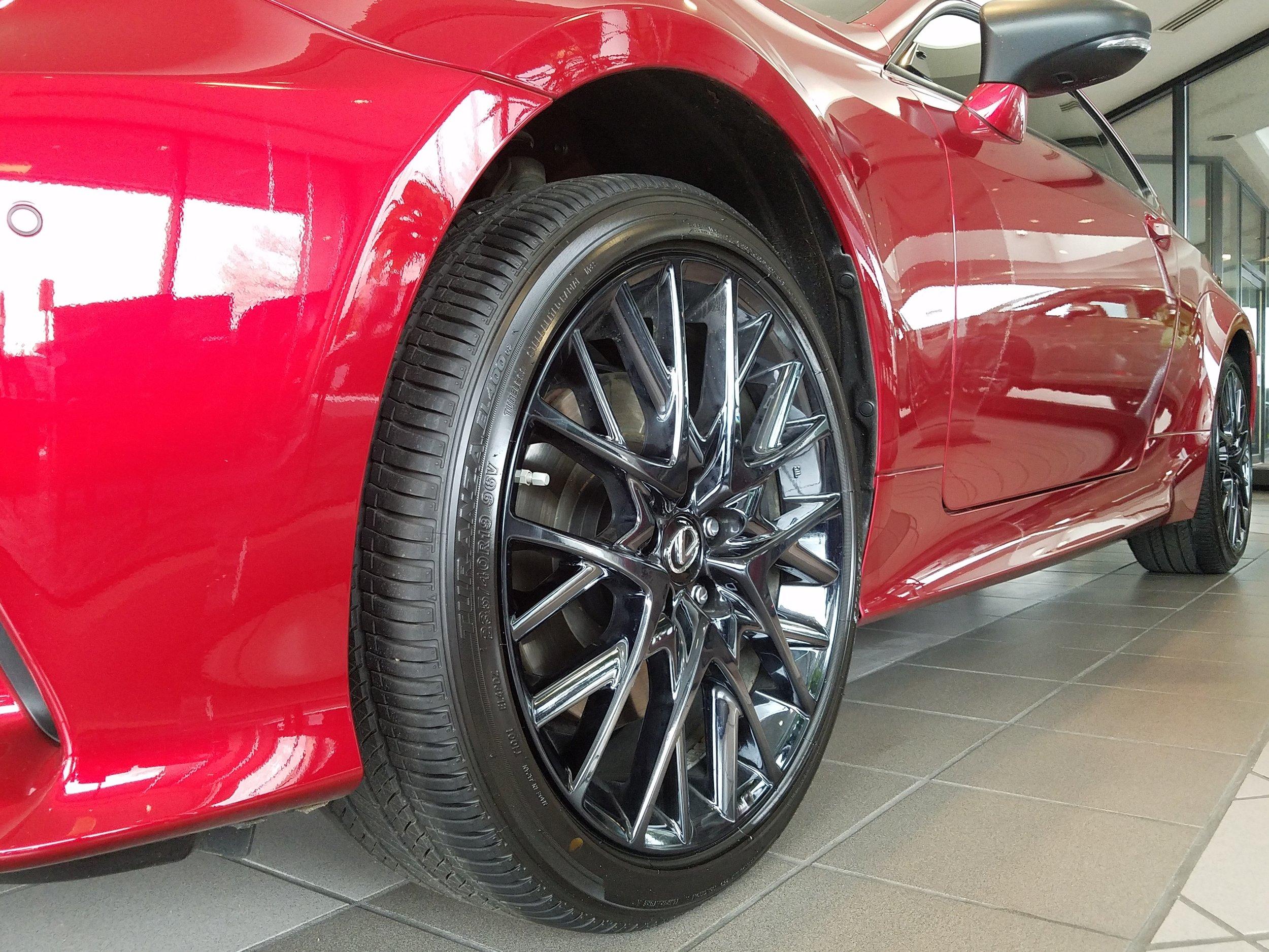 red-rc-black-ice-wheel-pic2_30869602462_o.jpg