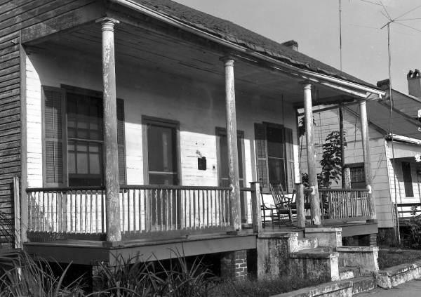 Quina House b&w.jpg