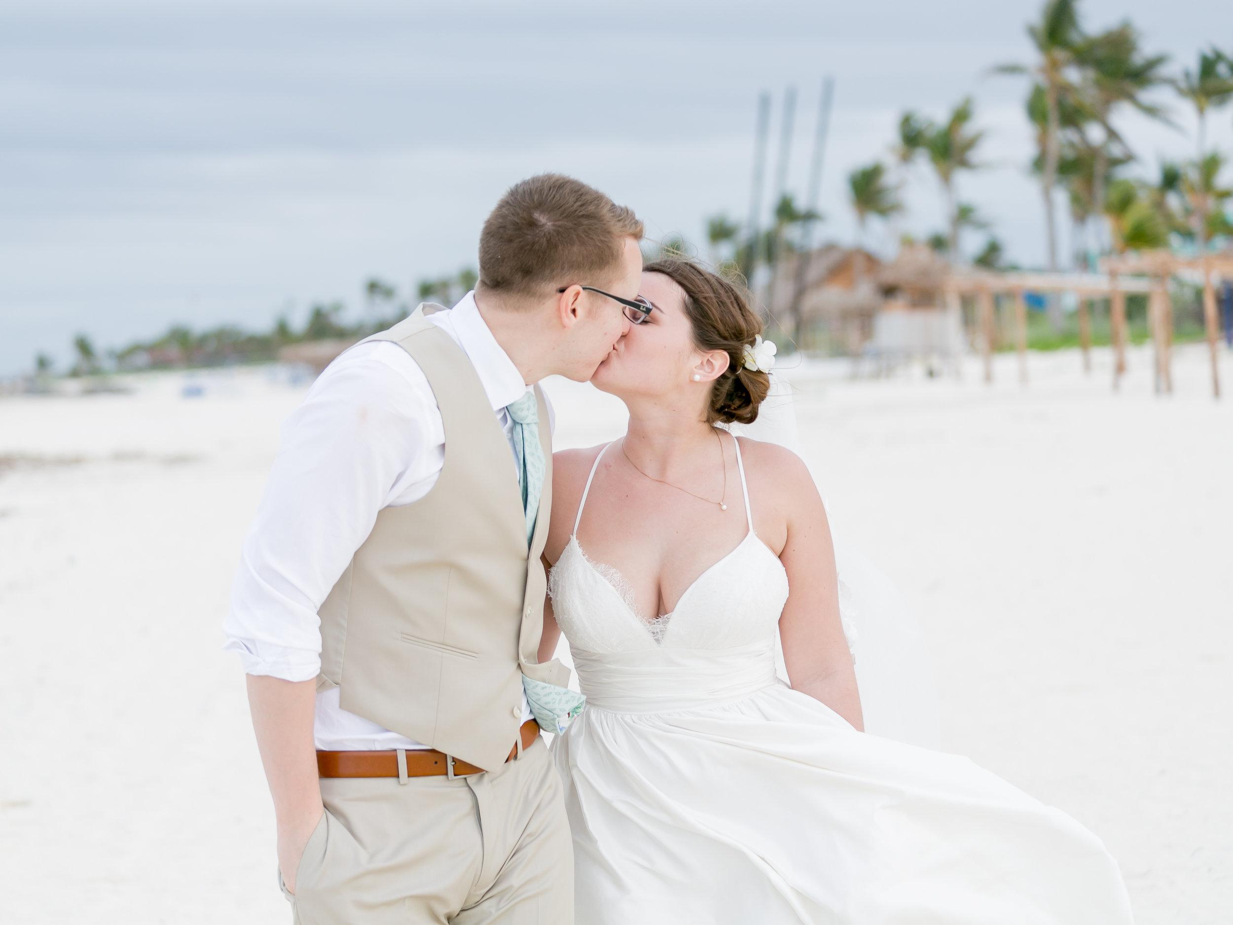 Cayco-Coco-Cuba-Wedding-528.jpg
