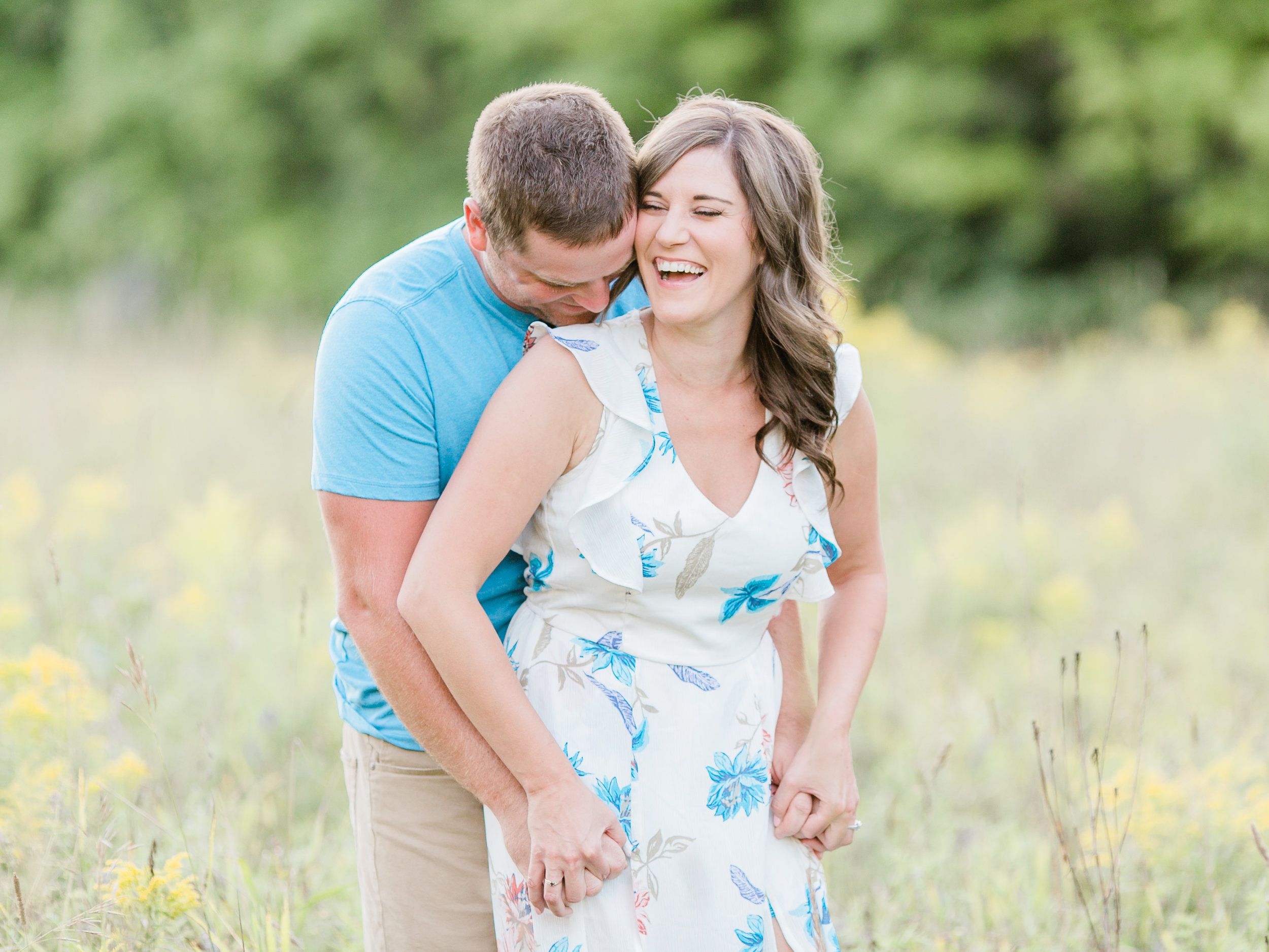 4. Engagement Session Gallery - After your engagement session, we will be sharing sneak peeks on Instagram. You will have your full gallery back to you within 2 weeks to share with your family and friends.